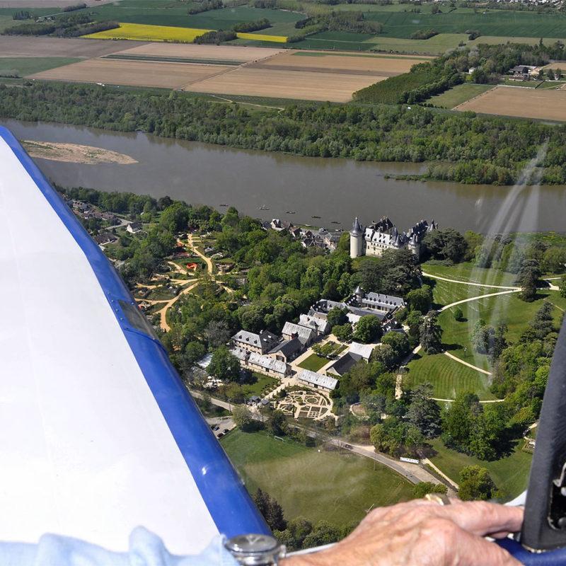 Survol des châteaux de la Loire